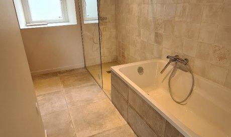 Entreprise pour la rénovation complète d'une salle de bain avec baignoire Paimpol